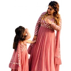 A MOM AND DAUGHTER GOWN . COMBO